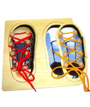 Развивающая игра-шнуровка Кеды деревянная